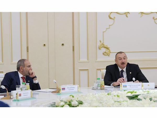 """İlham Əliyev Nikol Paşinyanın """"tsexakronist"""" olduğunu necə ifşa etdi?"""