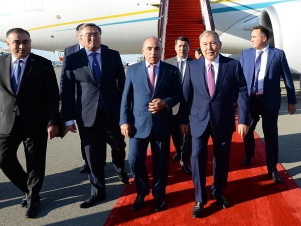 "Nursultan Nazarbayev Azərbaycana gəlib - <span class=""color_red"">FOTO</span>"
