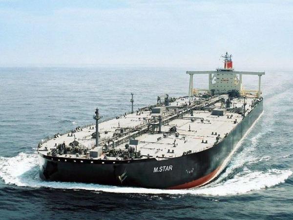İran tankerinə zərbə endirildi, yardım edən olmadı