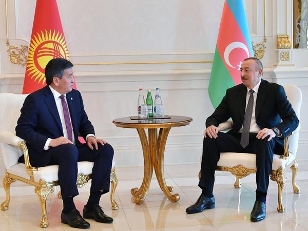 Prezident İlham Əliyevin Qırğızıstan Prezidenti Sooronbay Jeenbekov ilə görüşü olub - FOTO