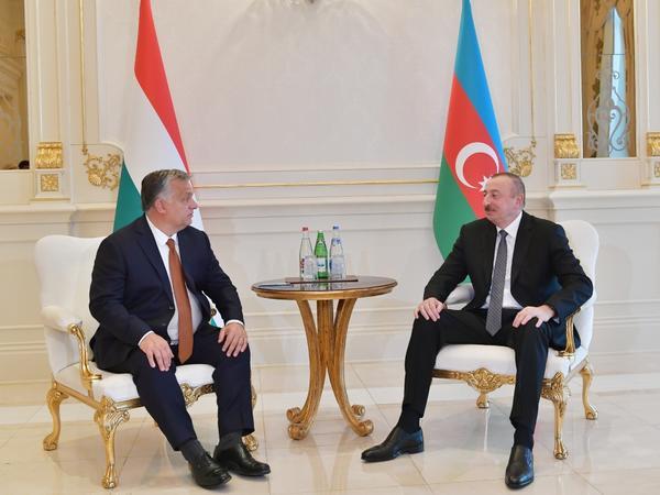 Azərbaycan Prezidenti İlham Əliyev Macarıstanın Baş Naziri Viktor Orban ilə görüşüb - FOTO