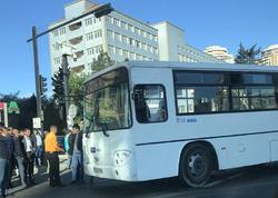 Bakıda avtobus minik avtomobili ilə toqquşdu - FOTO