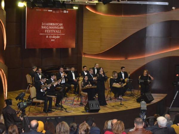 """""""II Azərbaycan Xalq Mahnıları Festivalı"""" sona çatdı - <span class=""""color_red"""">Beynəlxalq Muğam Mərkəzində</span>"""