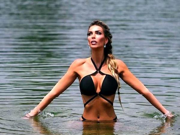 """""""Playboy"""" modeli prezidentliyə namizəd oldu"""