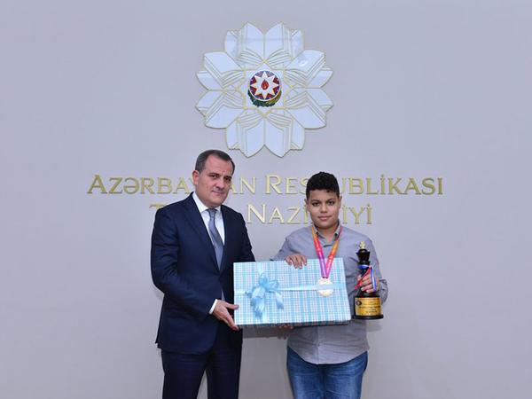 Nazir dünya çempionu Aydın Süleymanlı ilə görüşdü - FOTO