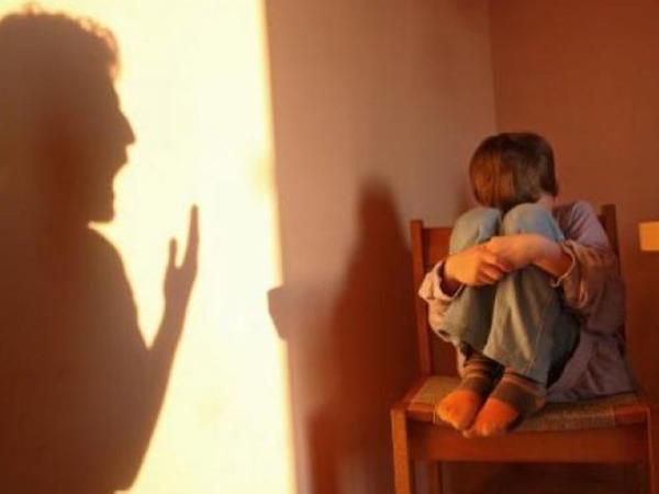 Şiddət görən uşaqlarda bu xəstəliklər yaranır - ARAŞDIRMA