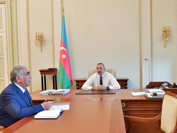 Prezident İlham Əliyev Azərbaycan Avtomobil Yolları Dövlət Agentliyinin idarə heyətinin sədrini qəbul edib - FOTO