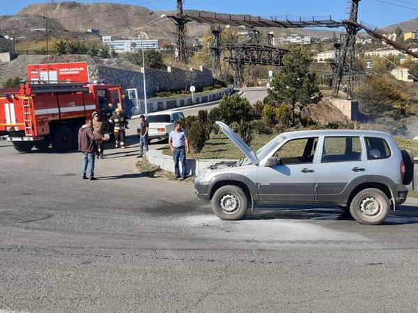 """Daşkəsəndə avtomobil yandı - <span class=""""color_red"""">VİDEO - FOTO</span>"""