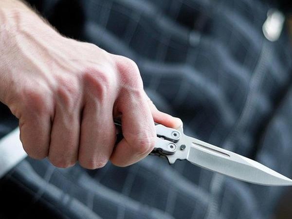 Bakıda 39 yaşlı kişini bıçaqladılar