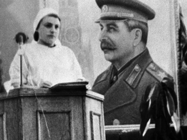 """""""Ağ xalatlı qatilləri"""" güllələmək istəyənlərin güllələnməsi - <span class=""""color_red"""">Stalin 1 ay gec ölsəydi... - FOTO</span>"""