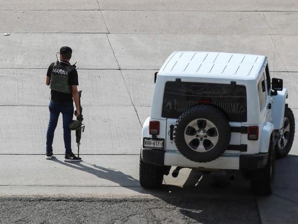 """Kartel silahlıları """"El Çapo""""nun oğlunu polisdən azad edib"""