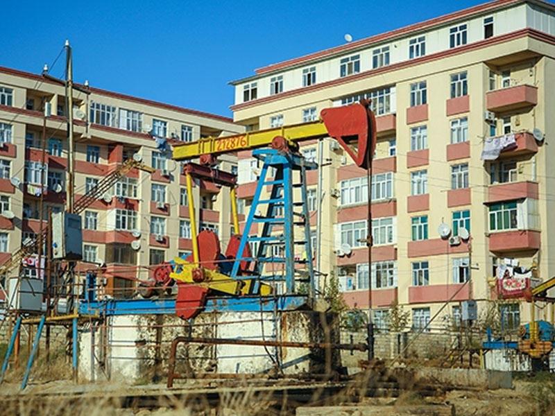 Rafael Cəbrayılovun bu binaları söküləcək? - FOTO