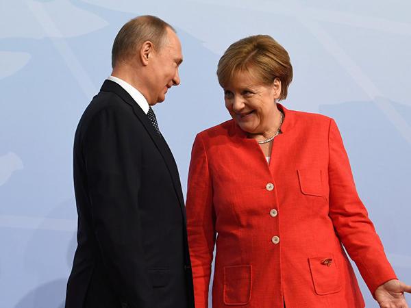 Putin Merkellə danışdı