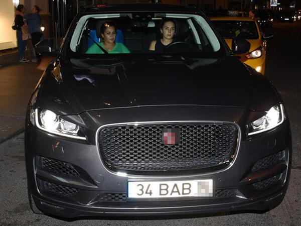 """Alişan xanımına 600 minlik """"Jaguar"""" aldı - FOTO"""