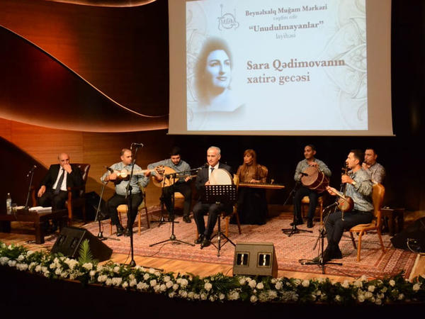 Beynəlxalq Muğam Mərkəzində Sara Qədimovanın xatirə gecəsi keçirilib
