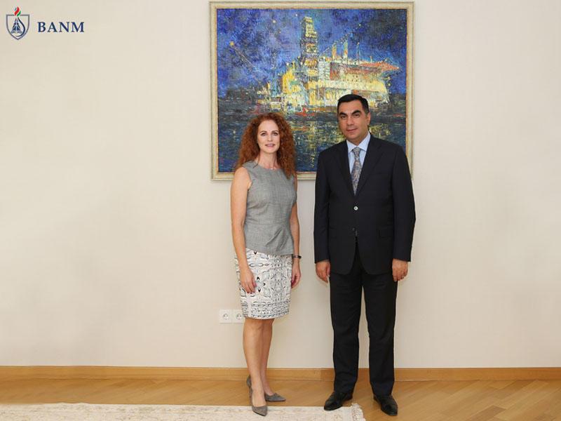 Elmar Qasımov Neft Mühəndisləri Cəmiyyətinin prezidenti ilə görüşüb