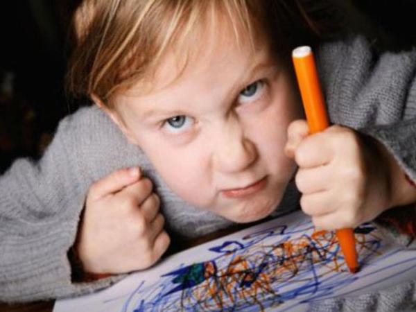"""Uşaqlar niyə aqressiv olur? – Psixoloq vacib <span class=""""color_red"""">məqamları açıqladı</span>"""