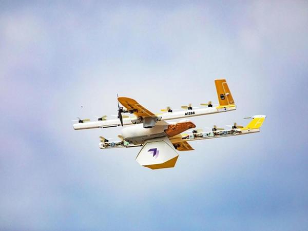 """""""Wing"""" şirkətinin dronları bağlamaları evlərə çatdırmağa başlayıb"""