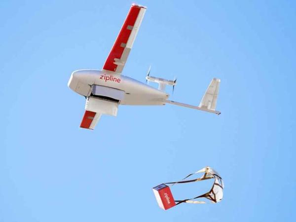 """""""Zipline"""" dronları təlimlər zamanı döyüş meydanına dərmanlar çatdırıb"""