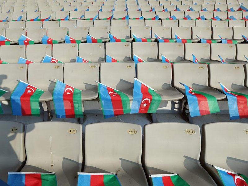 Respublika Stadionunda 30 min bayraq -
