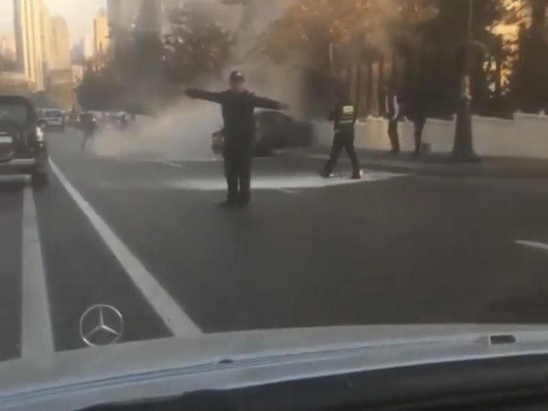 Alov qüllələrinin yanında qəza - Avtomobil divara çırpıldı