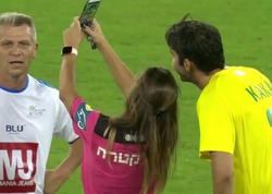 """Hakim oyun zamanı ulduz futbolçu ilə selfi etdi - <span class=""""color_red"""">VİDEO</span>"""