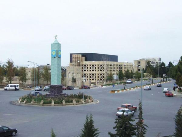 Yeni icra başçısından tapşırıq: Yevlaxda 15 il bağlı qalan mərkəzi küçədə hərəkət bərpa edildi