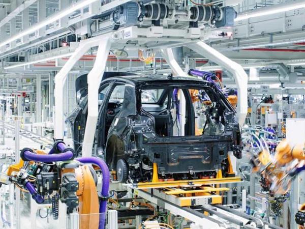 Volkswagen Manisadakı zavodun tikintisini dayandırıb