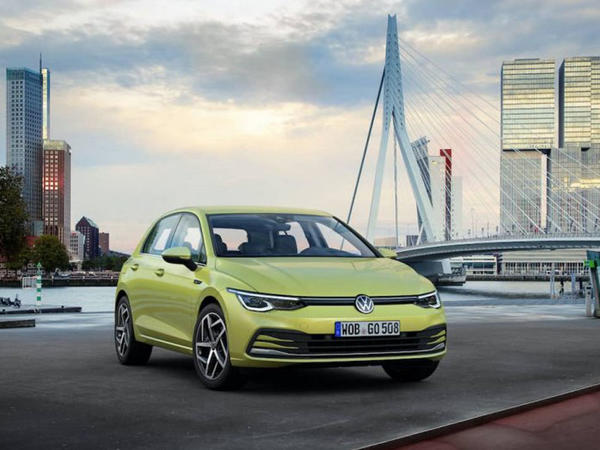 Səkkizinci nəsil VW Golf rəsmi olaraq debüt edib - VİDEO - FOTO