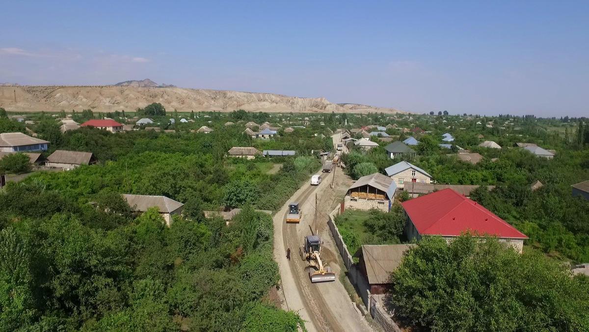 Hazırda kənd yollarının inşası və yenidən qurulması geniş vüsət alıb - AAYDA