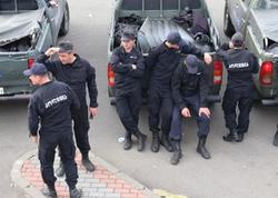 Polis 15 yaşlı qızı qaçıran oğlanları saxladı