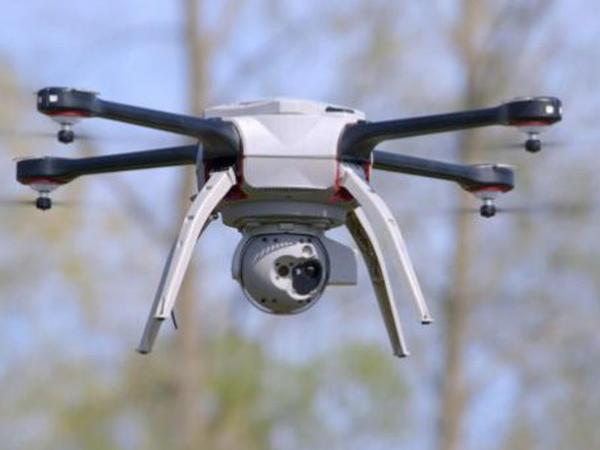 İlk dəfə dron vasitəsilə dərmanlar müştəriyə çatdırılıb