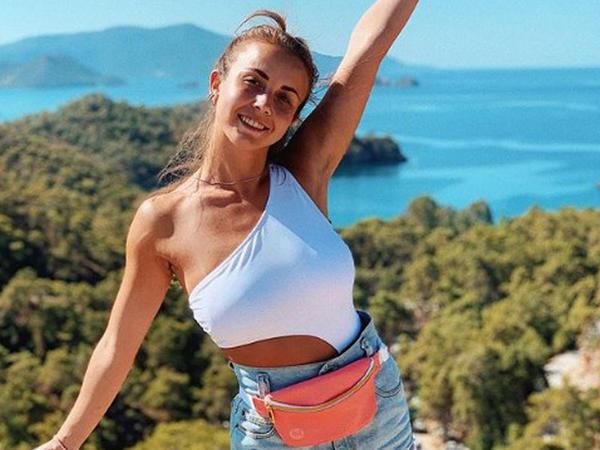 Rus model İnstagram ulduzuna döndü - FOTO