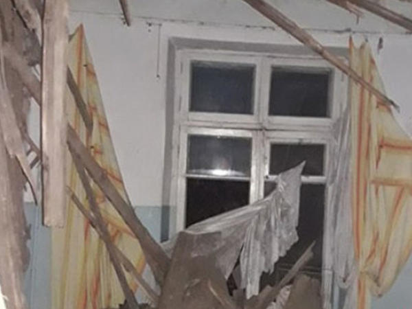 Bakıda yataqxanada uçqun olub - FOTO