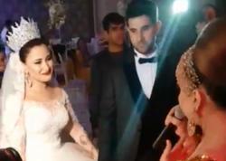 """Azərbaycanlı aktrisanın qızının toyu oldu - <span class=""""color_red"""">Qarşısında mahnı oxudu - VİDEO</span>"""