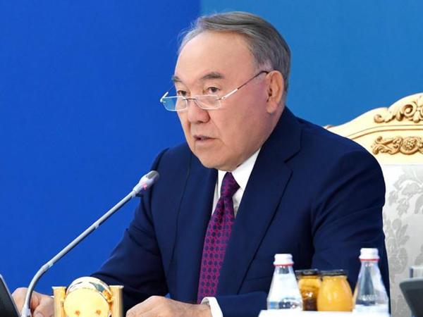 Nazarbayev Putin-Zelenski görüşünün təşkilinə çalışır