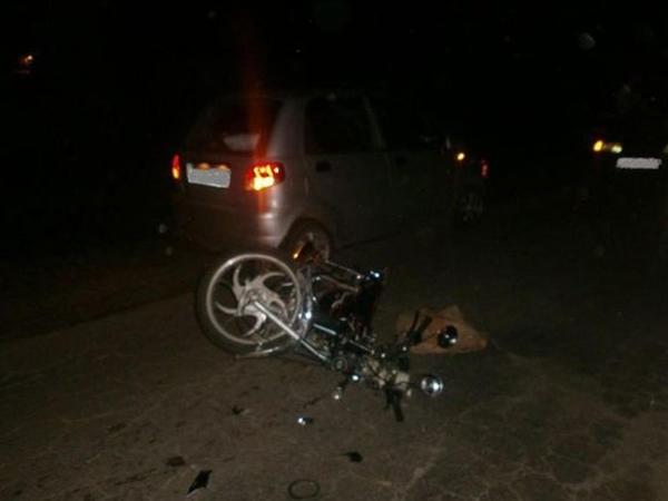 """Bakıda moped avtomobillə toqquşdu, <span class=""""color_red"""">2 nəfər yaralandı</span>"""