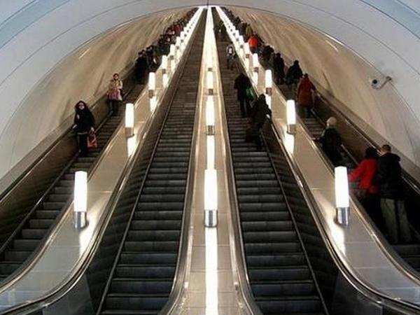 Bakı metrosu 25 eskalator alıb