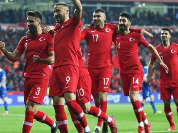 """Türkiyə millisində dəyişiklik - <span class=""""color_red""""> 9 futbolçu heyətdən çıxarıldı</span>"""
