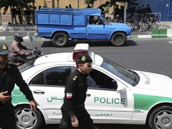 İranın Yəzd şəhərində etiraz aksiyasında 40 nəfər saxlanılıb