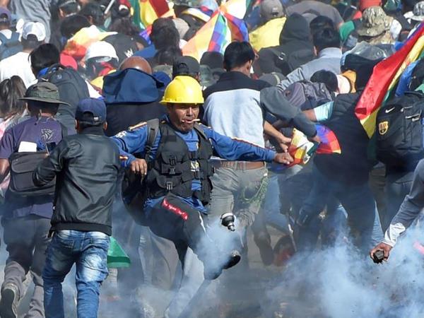 Boliviyada Evo Moralesin beş tərəfdarı ölüb