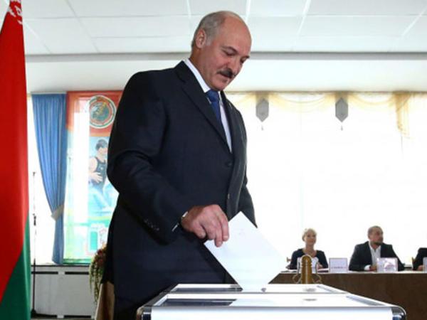 Lukaşenko səs verdi