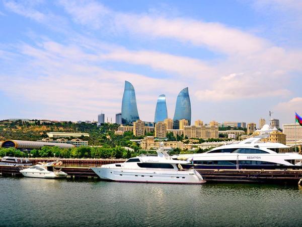 """""""Azərbaycan borclanmaya getmir, öz resurslarımız kifayət qədərdir"""" - Hikmət Hacıyev"""