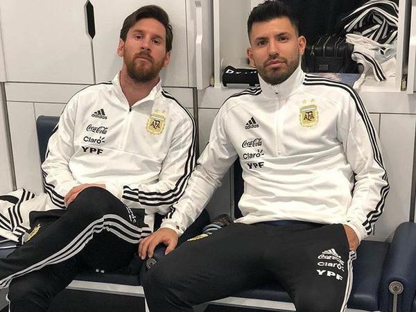 """13 ilin ən yaxşısı Messi, Ronaldu isə… - <span class=""""color_red"""">SİYAHI</span>"""