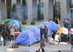Tbilisidə parlament binası qarşısında aksiya bərpa edildi