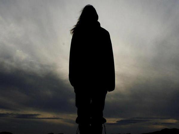 32 yaşlı qadın gecə saatlarında itkin düşdü