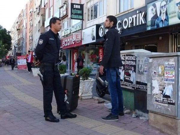 """Polis ondan taksi pulu istəyən turisti xəstəxanaya göndərdi - <span class=""""color_red"""">FOTO</span>"""
