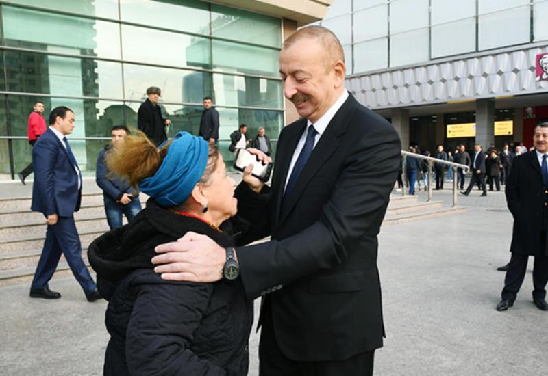 Prezident İlham Əliyev Bakı sakininin kredit problemini həll etdi - VİDEO