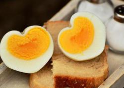 """Tam qaynadılmamış yumurtanı yemək olmaz! - <span class=""""color_red"""">ARAŞDIRMA</span>"""