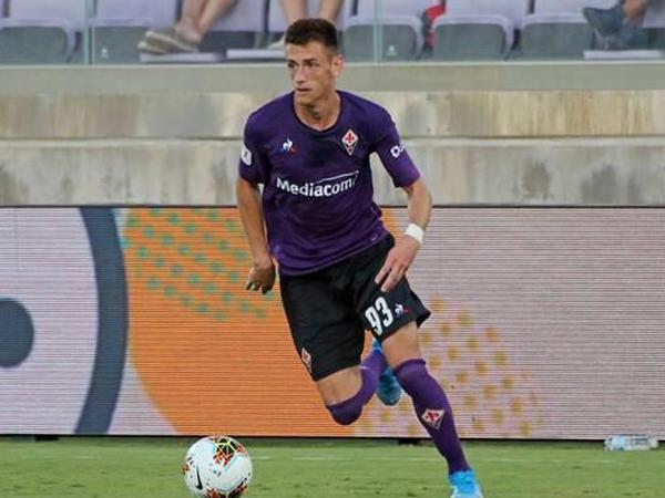 """&quot;Fiorentina&quot;nın futbolçusu döyüldü - <span class=""""color_red"""">5 min avroya görə</span>"""